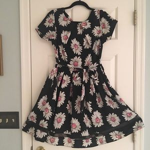 Pretty daisy print dress - Dorothy Perkins